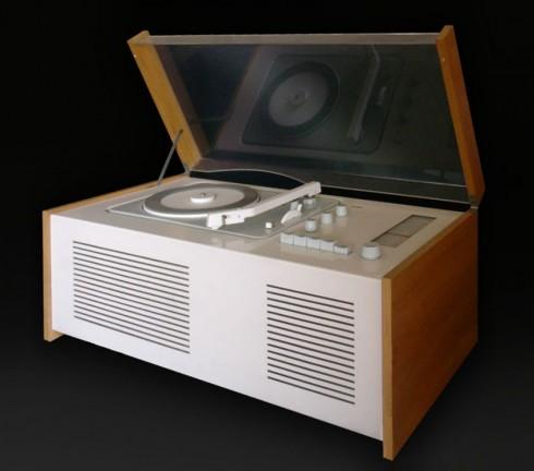 """""""Braun-Sk61"""" von xavax - Eigenes Werk. Lizenziert unter Public domain über Wikimedia Commons"""